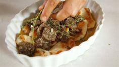Veja o VIDEO. Para o jantar sugerimos: Peito de frango com morcela e tomilho :)