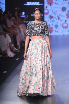 Payal Singhal at Lakmé Fashion Week summer/resort 2016   Vogue India   Section :- Fashion   Subsection :- Fashion Shows   Author :- Vogue.in   Embeds :- slideshow-right-thumbnail   Covers :- no-cover   Publish Date:- 04-02-2016   Type:- Story-editorial