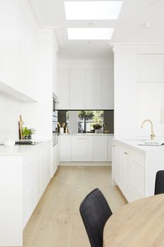 LITTLE WILLOW — Adore Home Magazine Classic Kitchen, All White Kitchen, Open Plan Kitchen, Kitchen Ideas, Pantry Ideas, Kitchen Pantry, Kitchen Reno, Kitchen Remodel, Royal Oak Floors