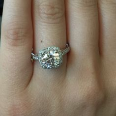 a diamond Engagement Ring Setting with a lovely diamond halo