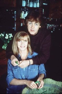 Linda McCartney and Paul McCartney. Paul Mccartney Albums, Paul Mccartney And Wings, Ringo Starr, George Harrison, John Lennon, Linda Eastman, Band On The Run, Beatles Love, Marc Bolan