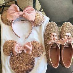 Source by ashjonesandrews ideas fiesta Cute Disney Outfits, Disney Fun, Disney Girls, Disney Style, Minnie Mouse Silhouette, Disney Purse, Disney Aesthetic, Disney Tees, Disney Birthday