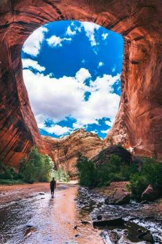 utah travel tips for us outdoor vacation Located in the heart of the Southwest, Kanab, Utah is one of the best places to explore the area from. With 3 national parks in close proximity to here, sand Beautiful Places To Travel, Cool Places To Visit, Places To Go, Beautiful Natural Places, Beautiful Things, Beautiful Vacation Spots, Dream Vacation Spots, Best Places To Travel, Awesome Things