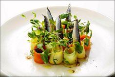 Encore un banc de poissons sans queues ni têtes ! ;) (Mads Refslund, Copenhagen) > Photo à aimer et à partager ! ;) . L'art de dresser et présenter une assiette comme un chef... http://www.facebook.com/VisionsGourmandes . #gastronomie #gastronomy #chef #recette #cuisine #food #visionsgourmandes #dressage #assiette #art #photo #design #foodstyle #foodart #recipes #designculinaire #culinaire #artculinaire #culinaryart #foodstylism #foodstyling) #presentation