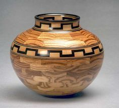 It's Time To Make Things Easier By Reading This Article About Woodworking – EasyWoodworkingOnline Wood Vase, Wood Bowls, Wood Turning Projects, Wood Projects, Lathe Projects, Wood Router, Cnc Router, Native American Pottery, Vase Shapes