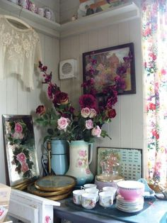 Ooooh, those Hollyhocks…gorgeous!  Gorgeous cottage kitchen