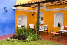 stucco color combinations | ... stucco or even siding that could use a pop of color that no one will