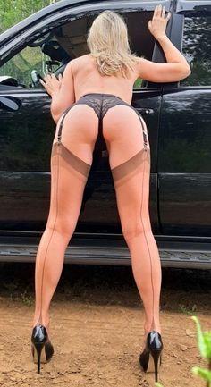 reife frauen tragen strumpfe strumpfhosen oder nylons