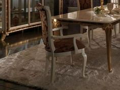 Os Clássicos nunca saem de moda - Cadeira Raffaelo - http://www.lojascasa.com.br