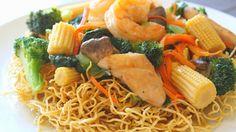 Fried Noodles (Crispy Fried Egg Noodles) Mi Xao Gion / Mi Xao Don