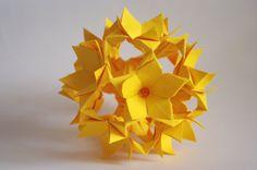 Paper home decor Yellow flower ball Origami di WaveofLight, $24.00