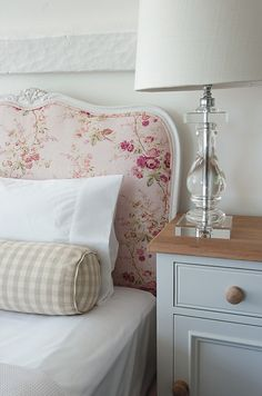 the headboard, oh my. Sims Hilditch.