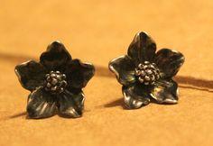 RARE retired JAMES AVERY Sterling Silver FLOWER Stud Earrings #JamesAvery #Stud