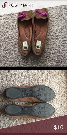 Used Flats Dr. Scholls walking flats. Brown with purple accent. Worn ones or twice. Lower prices and free shipping when ordering via my website https://diana-gavrilova.squarespace.com. If an item is not listed, leave a comment and I will add it for you. Dr. Scholl's Shoes Flats & Loafers