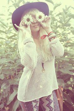 Flower child, modern hippie style | For the BEST in Boho Chic Fashion FOLLOW http://www.pinterest.com/happygolicky/boho-chic-fashion-bohemian-jewelry-boho-wrap-brace/