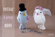 Lanukas: Parejita de novios vintage Crochet Birds, Diy Crochet, Crochet Dolls, Crochet Hats, Crochet Ideas, Diy Wedding Cake Topper, Lulu Love, Henna Night, Little Boy And Girl