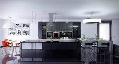 ZEVO HOUSE [KITCHEN]