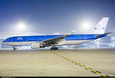 KLM - Airbus A330-203 PH-AOK 834 Delhi Indira Gandhi Int'l Airport - VIDP
