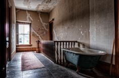 The Haunted Victorian Mansion - TrigPhotography Most Haunted, Haunted Places, Abandoned Places, Haunted Houses In America, Clawfoot Bathtub, New England, Victorian, Mansions, Building