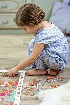 Puzzles help children develop important skills Sweet Memories, Childhood Memories, Little People, Little Boys, Precious Children, Child Love, Simple Pleasures, Jim Morrison, Kids Playing
