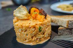 Tataráček z pečeného celeru – Snědeno. Great Recipes, Vegan Recipes, Tapas, Muesli, Food And Drink, Low Carb, Vegetarian, Snacks, Recipes