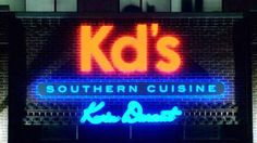 What a great place to eat! The atmosphere is great, the food is awesome and reasonably priced and I loved the ambiance. Kevin Durant got it right with this one!