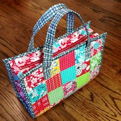 Three Owls Handmade: Dainty Tote Bag Tutorial
