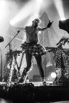 photo: Grimes @ FFF Fest 2015 (more)    You can browse our full NYC show calendar for all of tonight's shows, but here are some highlights... Grimes, Nicole ...