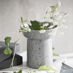 Kähler flowerpot - find the rough Ombria flowerpots here
