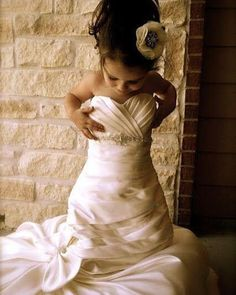 Put your wedding dress on your daughter at a young age and when she gets married frame the picture and give it to her as her wedding present.      @theinspiredhive #weddingdress #brides #weddingideas #flowergirl #weddingstyle #stylediaries #dreamwedding #elegantweddings #wedding #weddings #weddinginspiration  #weddingphotography #luxurywedding #weddingstyle #weddingdesigns #summerweddings #springweddings  #weddingreception #weddingphotographer #burlapandsilk  Explore our thoughtfully-curated…
