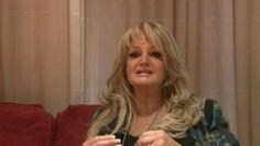 Bonnie Tyler - Interview - Le Parisien 2013 #bonnietyler #gaynorsullivan  #france #paris #gaynorhopkins #thequeenbonnietyler #therockingqueen #rockingqueen #music #rock #2013 #bonnietylerfrance #leparisien #bonnietylervideo #eurovision #believeinme #interview #video
