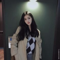 Hello~ I'm Gubin for the ones who don't know me, I go by binnie or Su. Feel free to call me whatever my dms are open~ Pretty Korean Girls, Cute Korean Girl, Pretty Asian, Asian Short Hair, Ulzzang Korean Girl, Korean People, Uzzlang Girl, Aesthetic People, Asia Girl