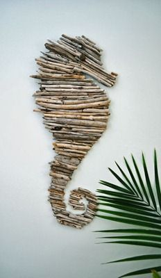 Caballito de mar con ramas de madera - Manualidades con fieltro, moldes y patrones gratis