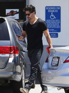 STYLE PILOT - Steal his Style: Joe Manganiello http://www.stylepilot.com/style_notes/style_news/steal_his_style_joe_manganiello-843
