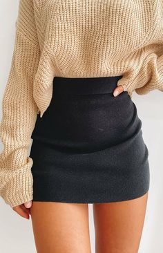 You don't have to tell us why to love the Tell me Knit Skirt Black! This knitted mini skirt is soft and comfortable, perfect for any occasion! Cute Skirt Outfits, Cute Comfy Outfits, Cute Skirts, Girly Outfits, Pretty Outfits, Mini Skirts, Black Mini Skirt Outfit, Black Skirts, Sweater Skirt Outfit