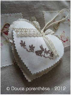 Donner son ♥ - Douce parenthèse  this is cross stitched.♥ love the simple finish ♥ iron on interfacing to stop fraying and cut with pinking shears ♥