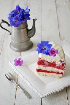 Frozen ... spring layer cake !  - Gâteau glacé à la meringue, aux framboises & à la violette.