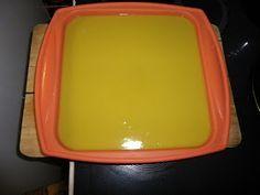 Moderná alchymistka: Proces za studena v rúre na pečenie a recept na 90% olivové mydlo Lunch Box, Cosmetics, Soaps, Places, Hand Soaps, Bento Box, Soap, Lugares