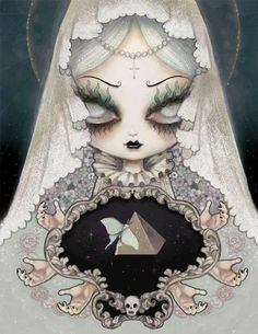 ✶.• ● ● .moon moth princess. • • ●.✶