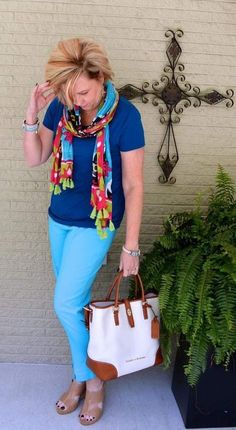 Love the vivid colors and dressing up a t-shirt with a fun scarf. Totally my style