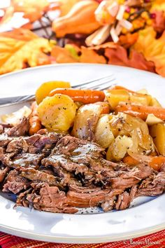 This Crock Pot Chuck Roast or Pot Roast recipe, with roasted potatoes and carrots, is so juicy and tender, no one would ever believe how easy it is to make! Roast Beef Recipes, Chicken Tender Recipes, Meat Recipes, Crockpot Recipes, Potato Recipes, Pasta Recipes, Sweets Recipes, Healthy Chicken, Food Recipes