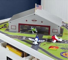 Pottery-Barn-Kids-Airplane-Hangar-Wooden-Airport-Wood-No-Planes-New-in-Box