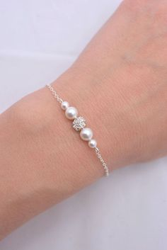 Perlas y diamantes de imitación nupcial pulsera por AnaInspirations