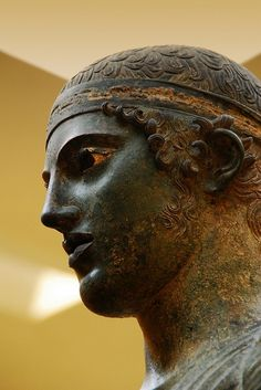 TRAVEL'IN GREECE I #Delphi, the charioteer
