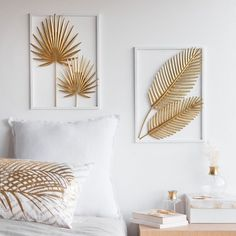 Gold-Colour and White Metal Foliage Artwork 28 x 39 cmHome Decoration on Maisons du Monde. Take a look at all the furniture and decorative objects on Maisons du Monde.