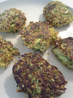 Zucchini fritters with quinoa, chai seeds and garlic