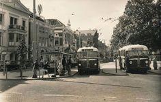 GVA, Arnhem bussen op het Willemsplein in 1958 Eindhoven, Berg, Holland, Museum, Street View, City, Gothic, Vintage, Autos