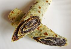 Makové lokše (Poppy seed lokshe) (Minced potato, flour pancakes, rolled with plum jam & poppy seeds). Slovak Recipes, Czech Recipes, Russian Recipes, Gourmet Recipes, Sweet Recipes, Cooking Recipes, Healthy Recipes, Slovakian Food, Eastern European Recipes
