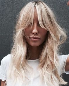 Best Womens Hairstyles For Fine Hair – HerHairdos Blonde Hair Looks, Brown Blonde Hair, Love Hair, Great Hair, Blond Hairstyles, Long Hair With Bangs, Hair Bangs, Hair Color And Cut, Aesthetic Hair