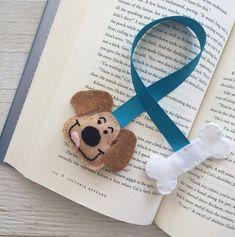 Items similar to Handmade Felt Bookmark on Etsy Handmade Felt, Handmade Crafts, Diy And Crafts, Handmade Bookmarks, Handmade Ideas, Sewing Crafts, Sewing Projects, Projects To Try, Felt Bookmark